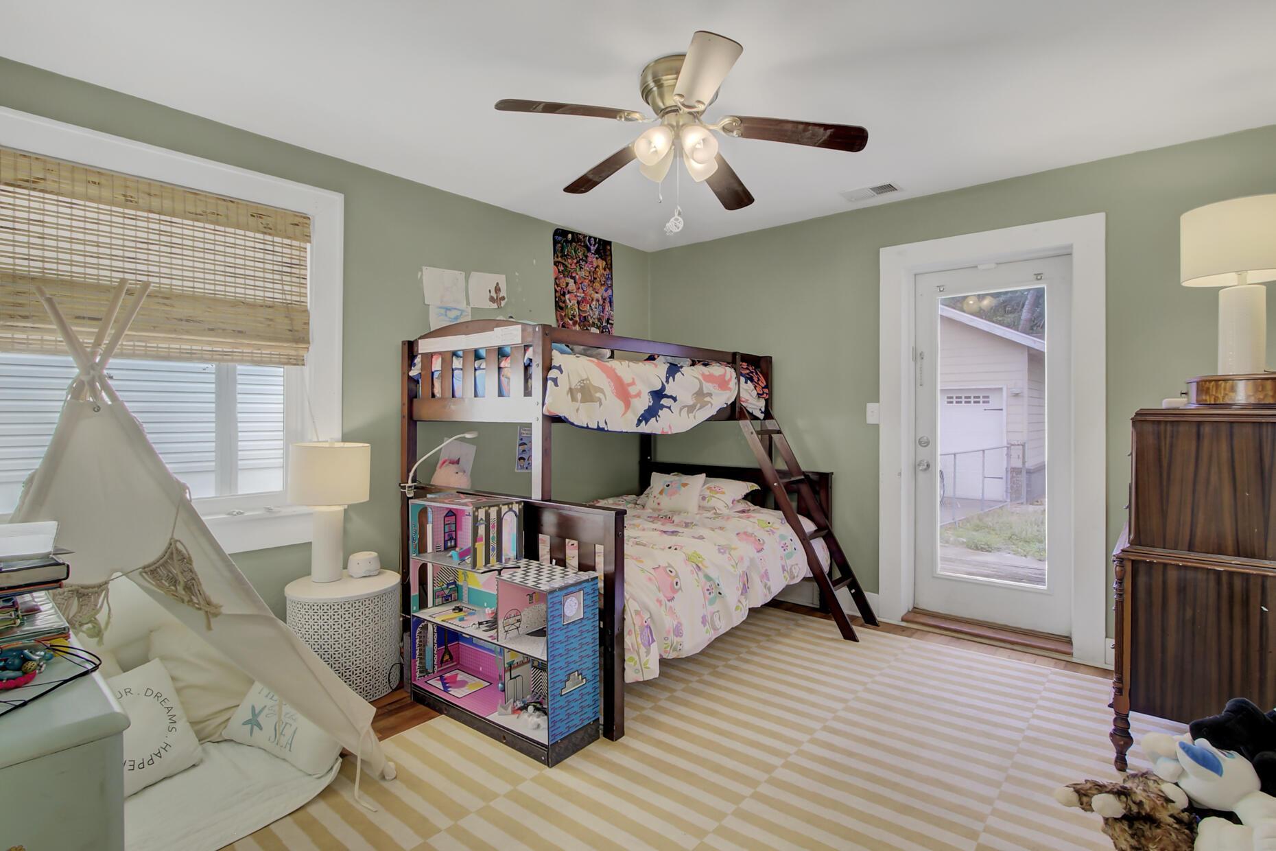 67 Folly Road Boulevard, Charleston, 29407, ,MultiFamily,For Sale,Folly Road,21015426