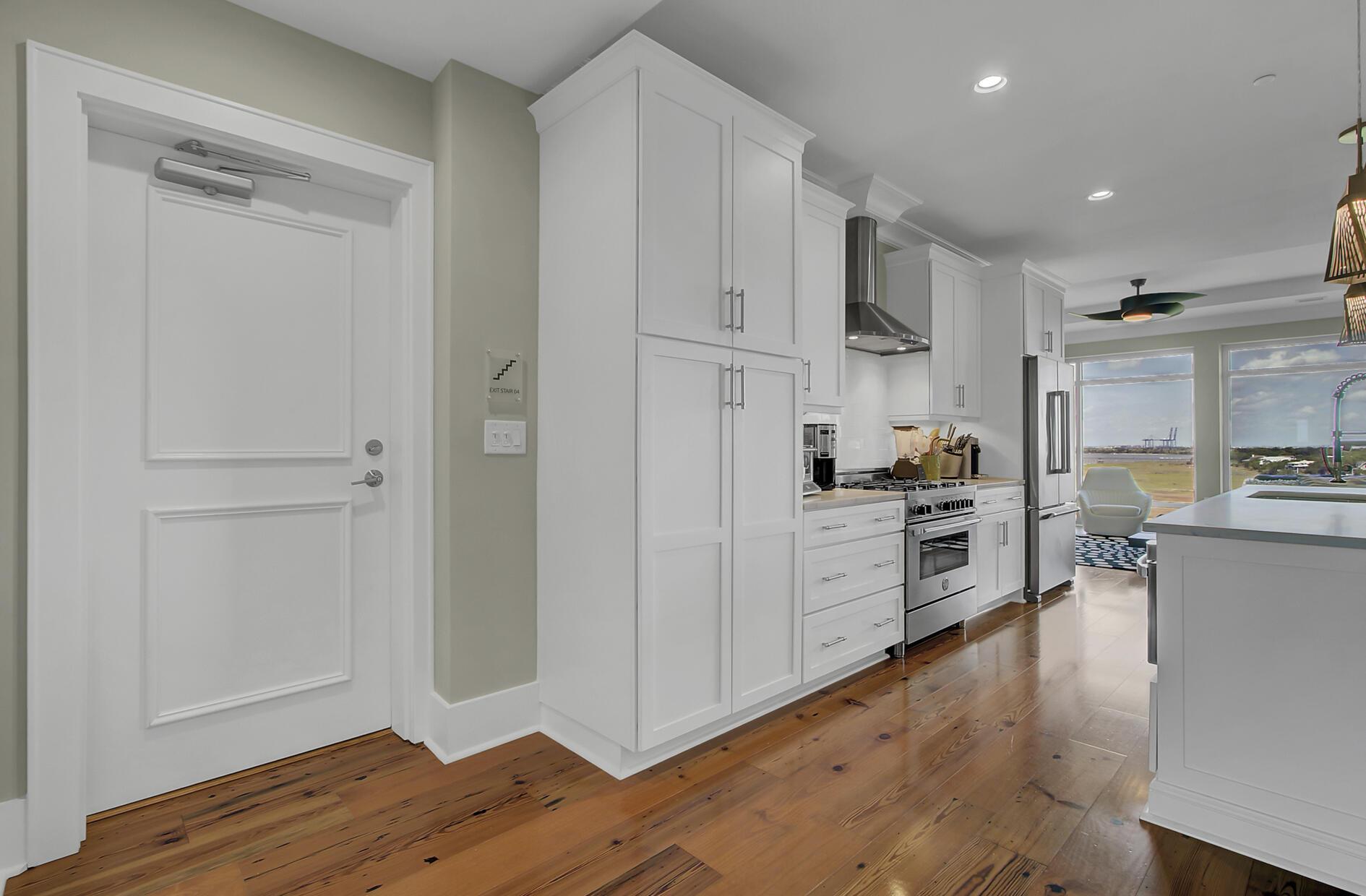 Tides IV Condominiums Homes For Sale - 155 Wingo Way, Mount Pleasant, SC - 24