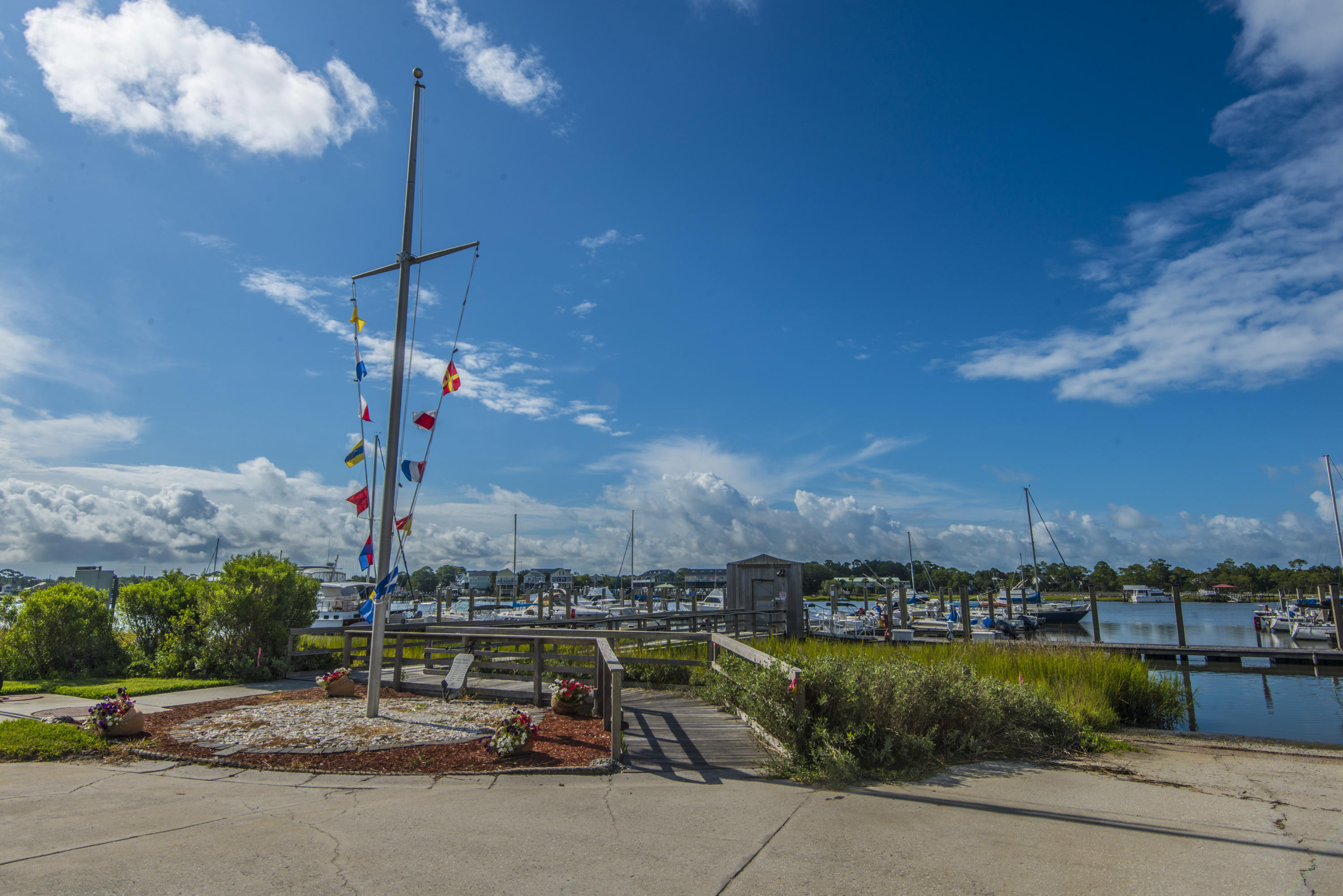 Mariners Cay Homes For Sale - 71 Mariners Cay, Folly Beach, SC - 30