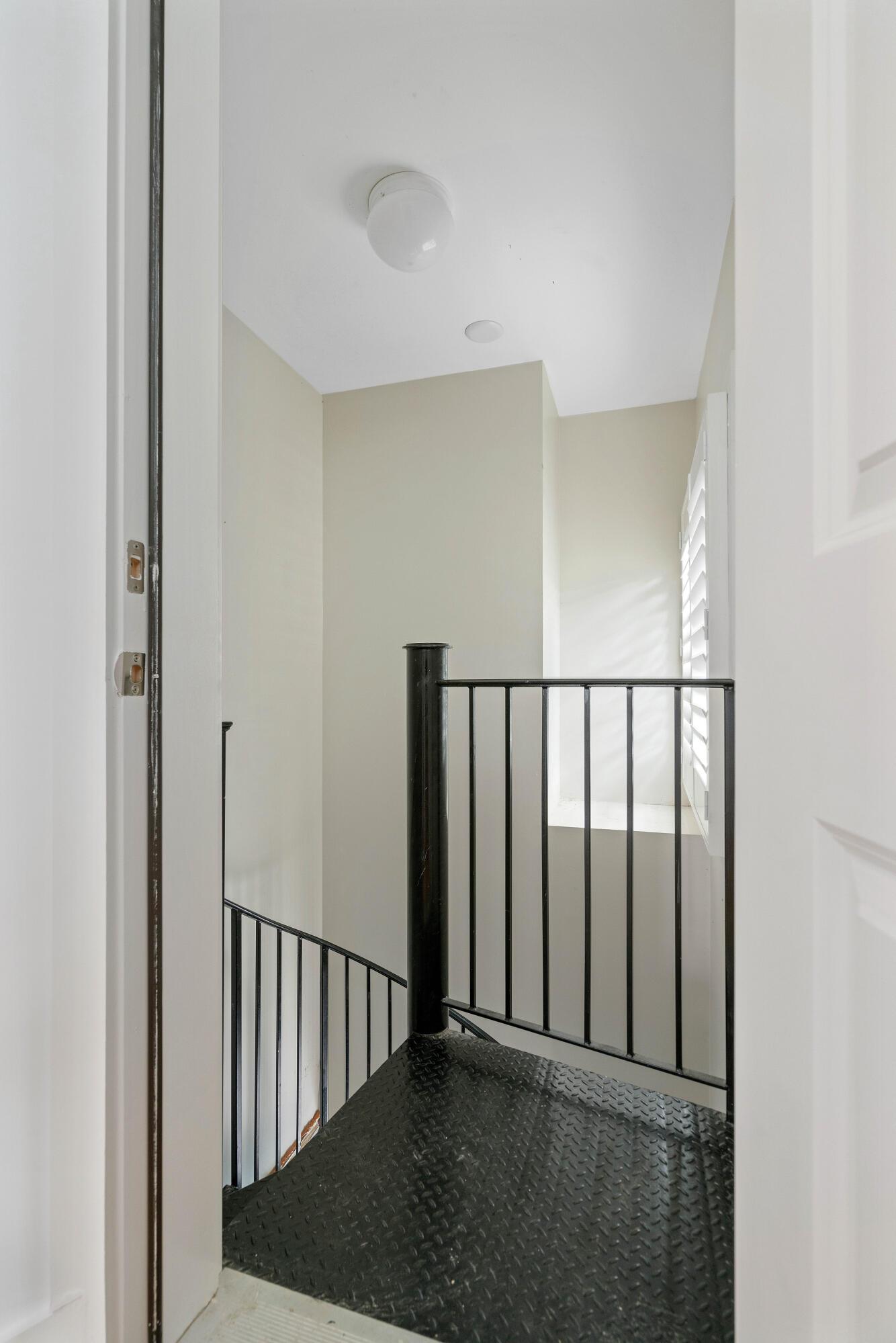 Radcliffeborough Homes For Sale - 33 Hillary, Charleston, SC - 18