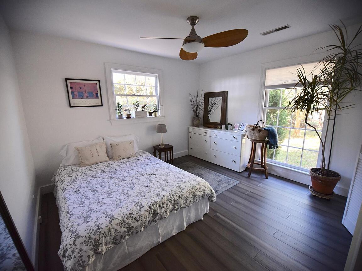 Fort Johnson Estates Homes For Sale - 889 Robert E Lee, James Island, SC - 8