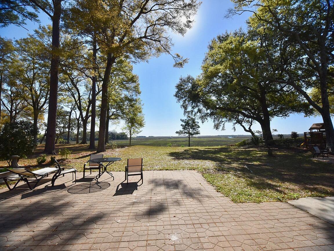 Fort Johnson Estates Homes For Sale - 889 Robert E Lee, James Island, SC - 27