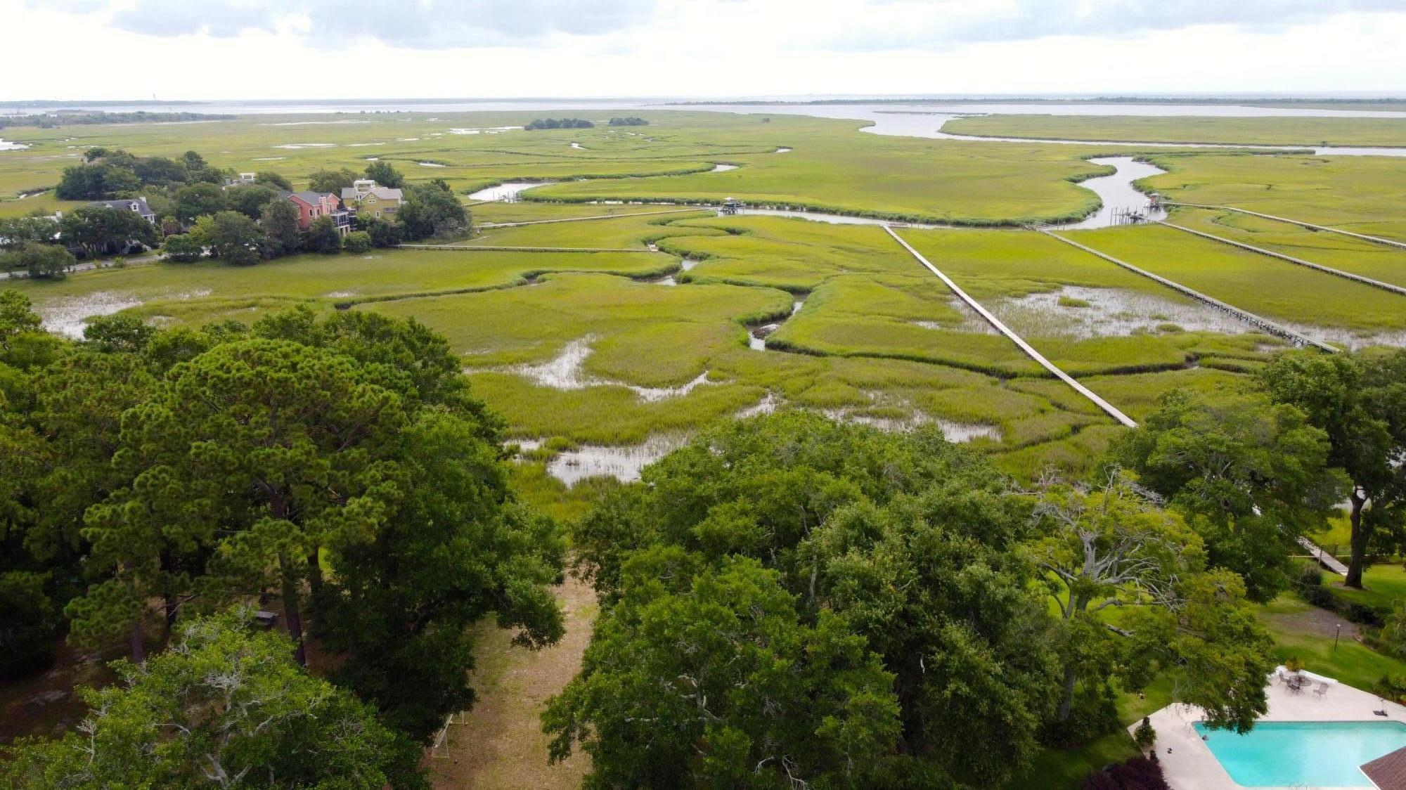 Fort Johnson Estates Homes For Sale - 889 Robert E Lee, James Island, SC - 16