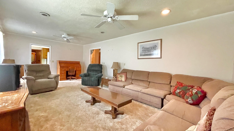 St James Estates Homes For Sale - 149 Lakeshore, Goose Creek, SC - 12