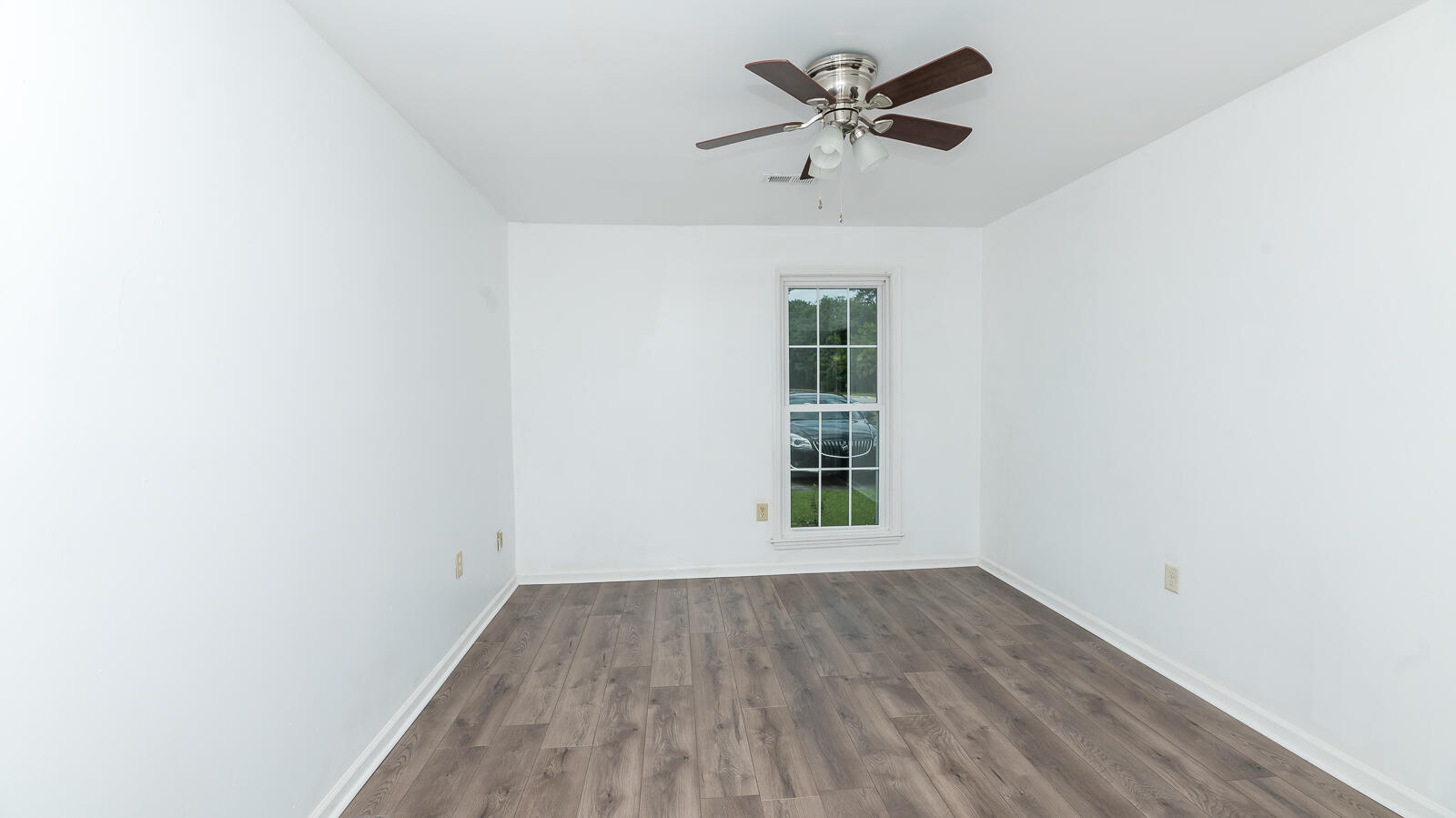 Ashley Villas Homes For Sale - 4315 Briarstone, North Charleston, SC - 2