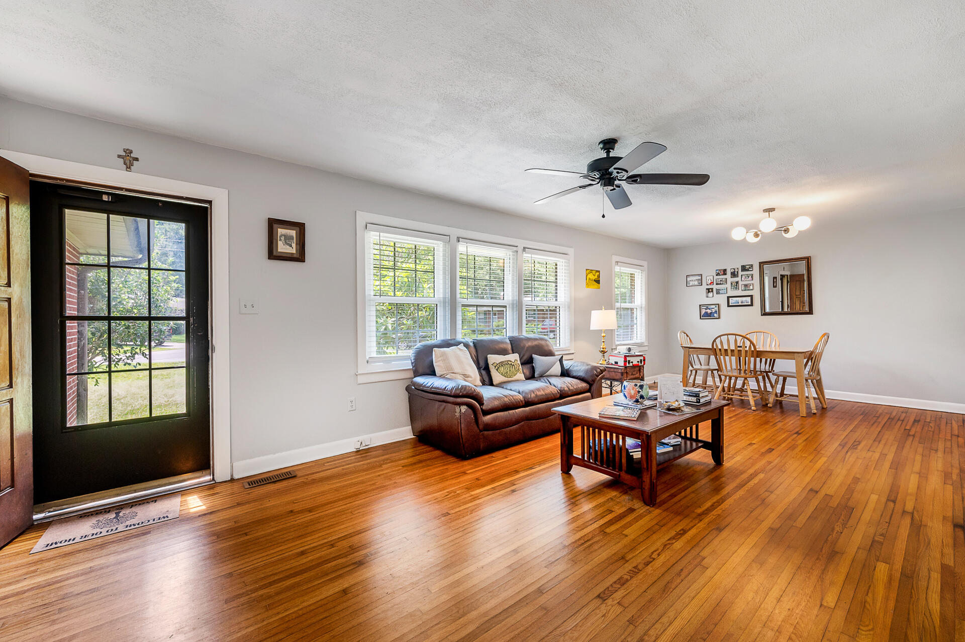 Jamestown Estates Homes For Sale - 943 Yorktown, Charleston, SC - 6