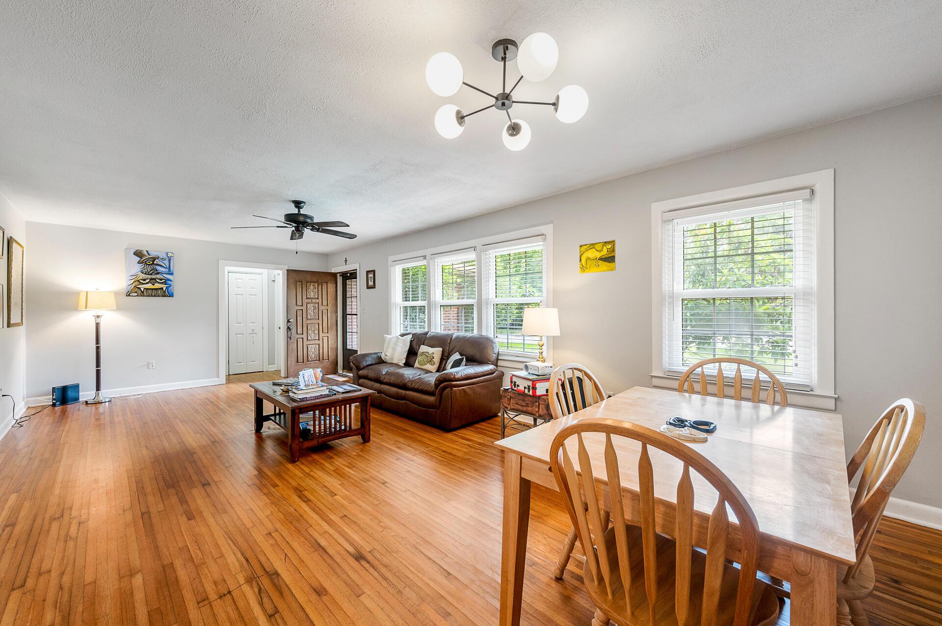 Jamestown Estates Homes For Sale - 943 Yorktown, Charleston, SC - 11
