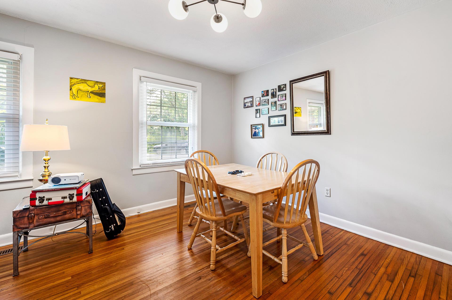 Jamestown Estates Homes For Sale - 943 Yorktown, Charleston, SC - 4