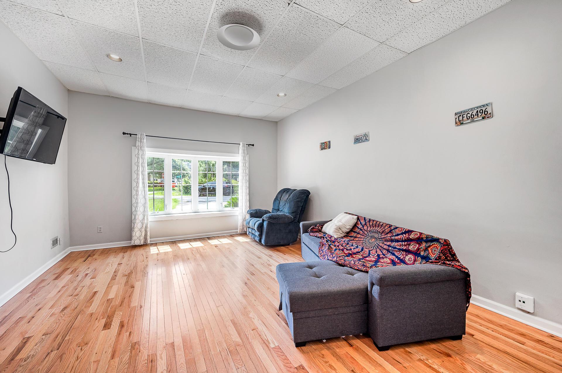 Jamestown Estates Homes For Sale - 943 Yorktown, Charleston, SC - 16