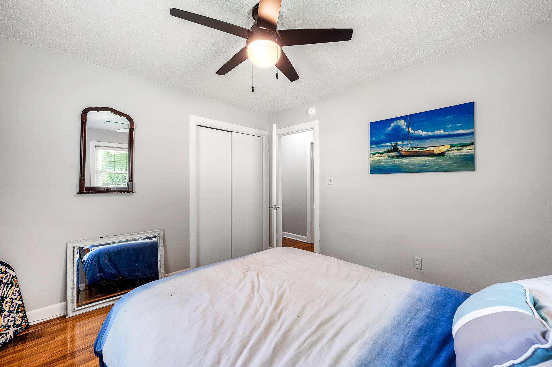 Jamestown Estates Homes For Sale - 943 Yorktown, Charleston, SC - 12