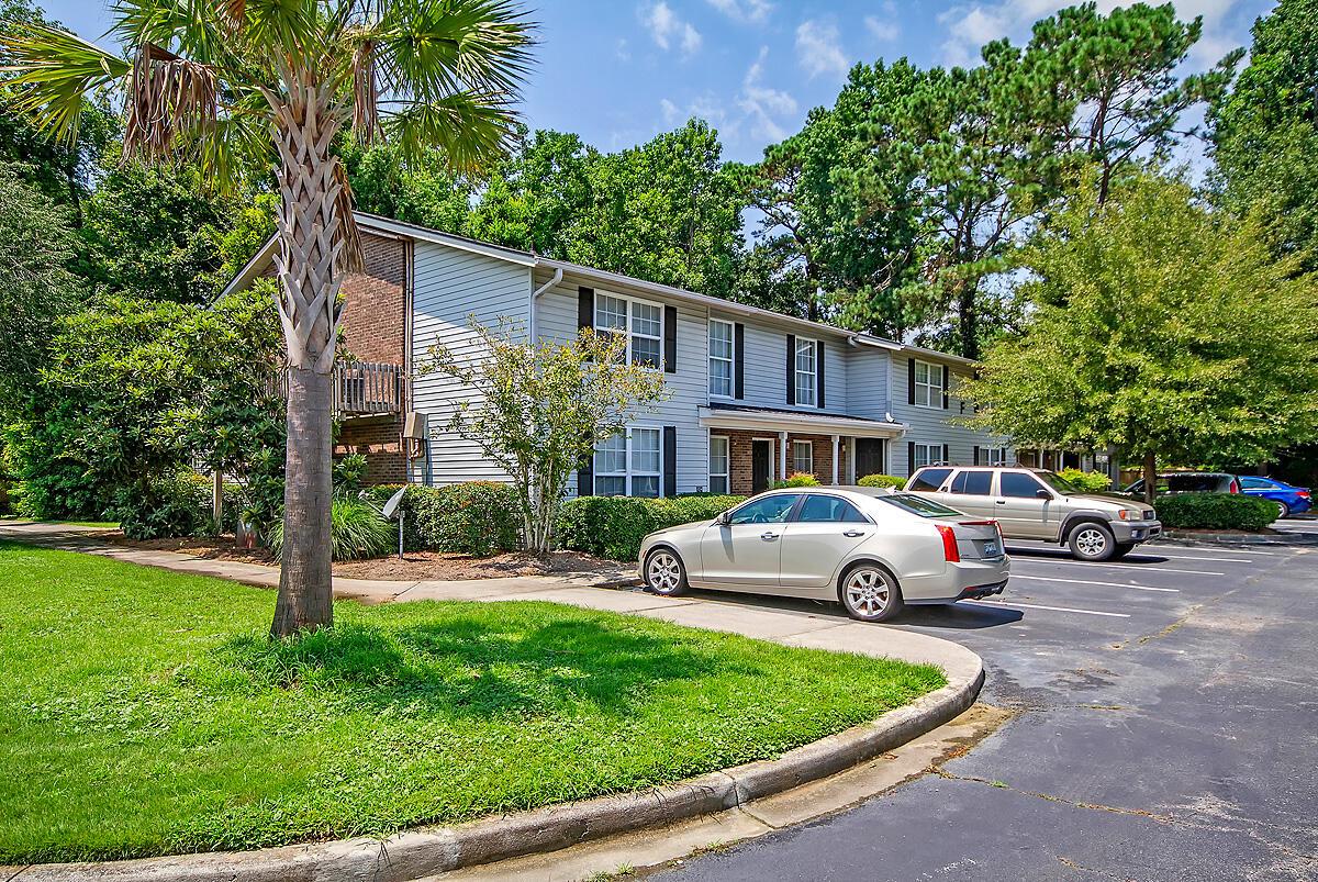 Melrose Park Townhomes Homes For Sale - 2494 Etiwan, Charleston, SC - 12