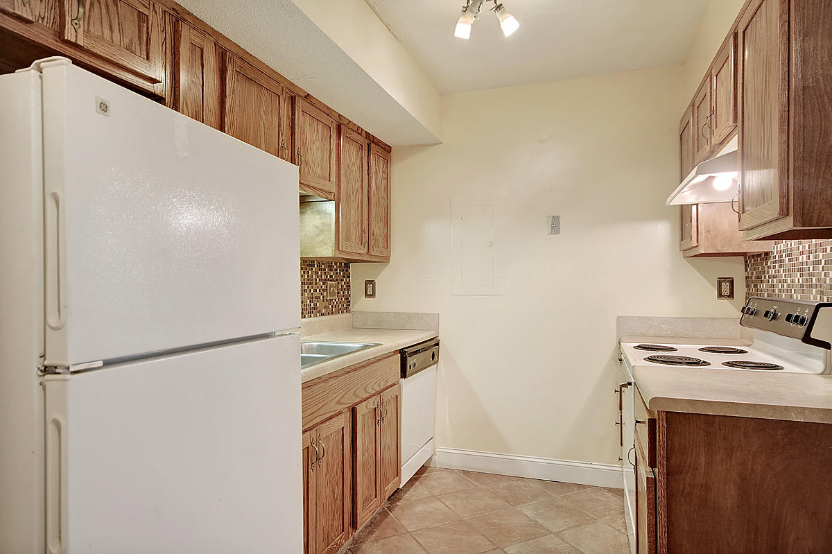 Melrose Park Townhomes Homes For Sale - 2494 Etiwan, Charleston, SC - 3
