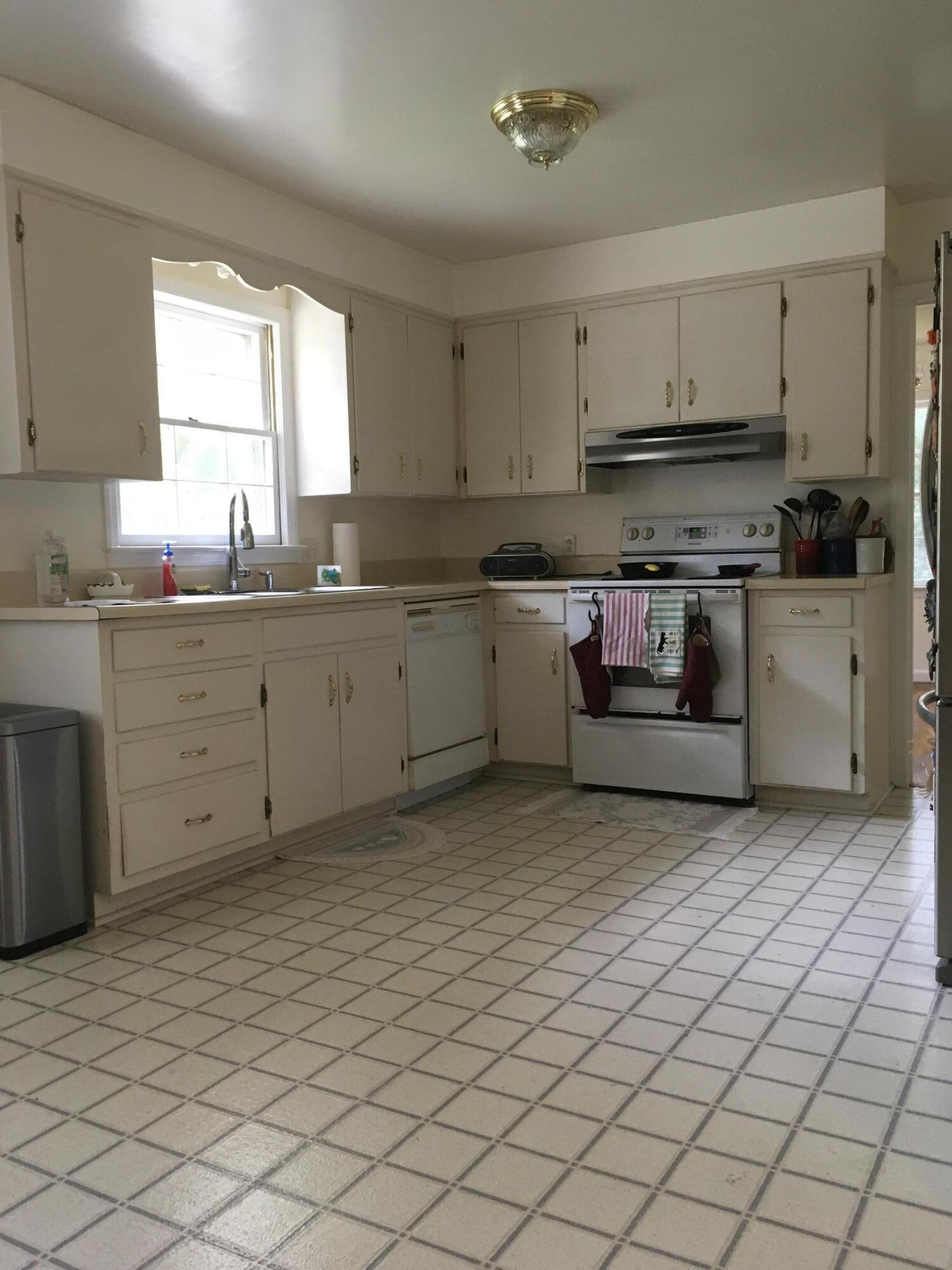 Cooper Estates Homes For Sale - 1077 Cottingham, Mount Pleasant, SC - 6