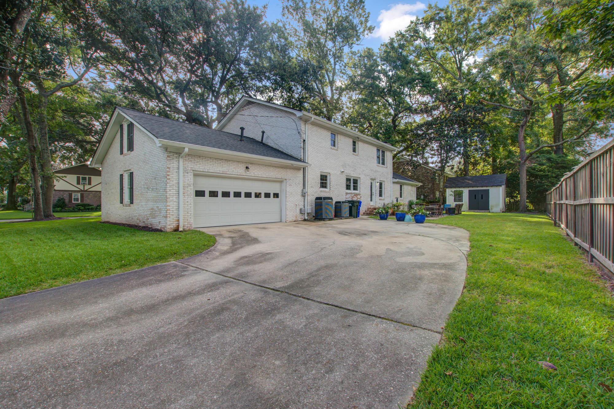 Sandhurst Homes For Sale - 37 Sussex, Charleston, SC - 9