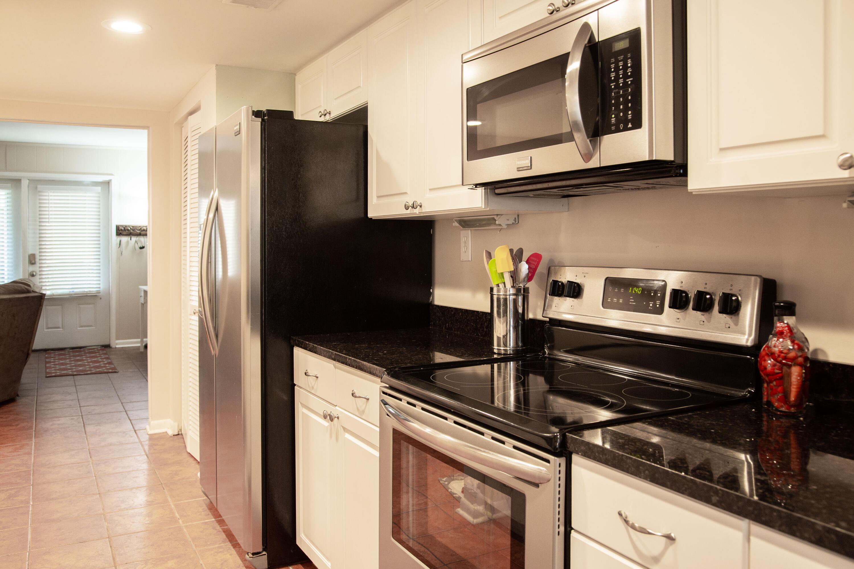 Old Towne Villas Homes For Sale - 2923 Barrington, Charleston, SC - 20
