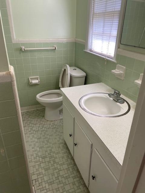 Stiles Point Homes For Sale - 750 Fort Johnson, Charleston, SC - 2