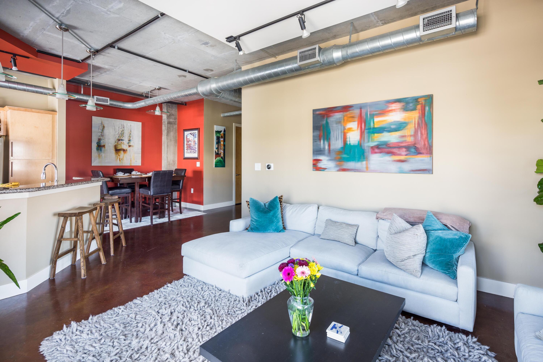 150 Bee Street, Charleston, 29401, 2 Bedrooms Bedrooms, ,2 BathroomsBathrooms,Residential,For Sale,Bee,21023892