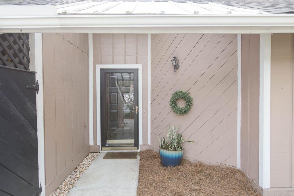 Snee Farm Homes For Sale - 1136 Honeysuckle, Mount Pleasant, SC - 8