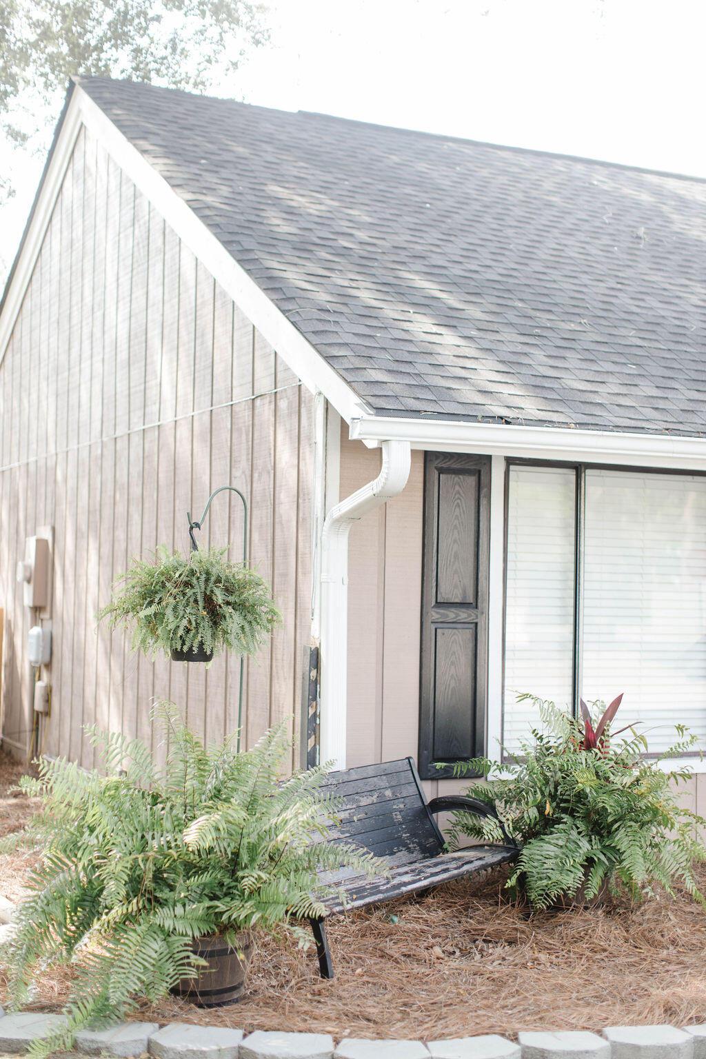 Snee Farm Homes For Sale - 1136 Honeysuckle, Mount Pleasant, SC - 38