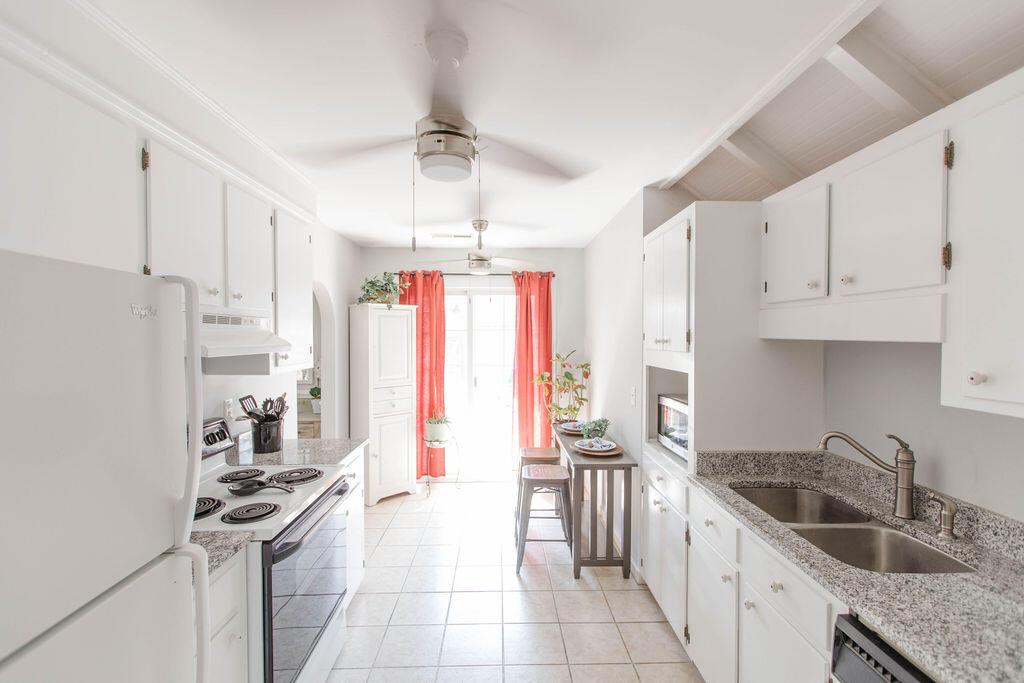 Snee Farm Homes For Sale - 1136 Honeysuckle, Mount Pleasant, SC - 34