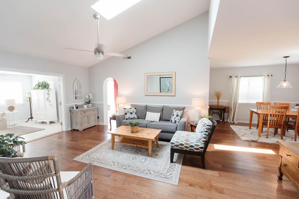 Snee Farm Homes For Sale - 1136 Honeysuckle, Mount Pleasant, SC - 22