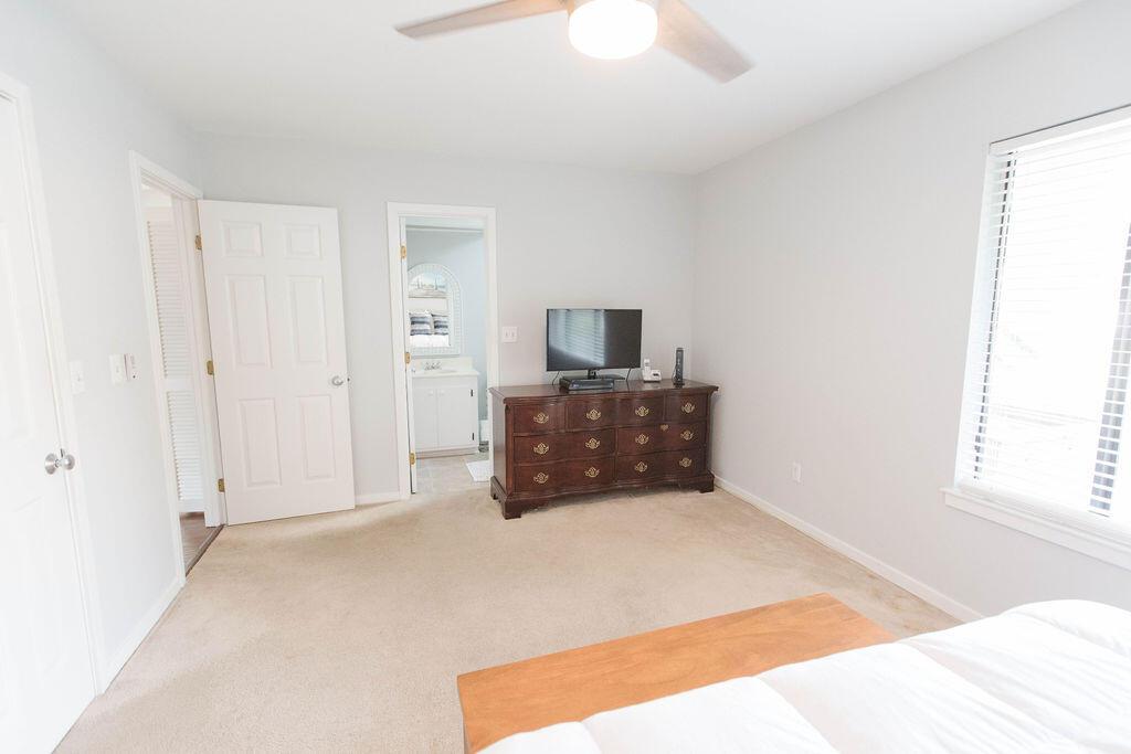 Snee Farm Homes For Sale - 1136 Honeysuckle, Mount Pleasant, SC - 44