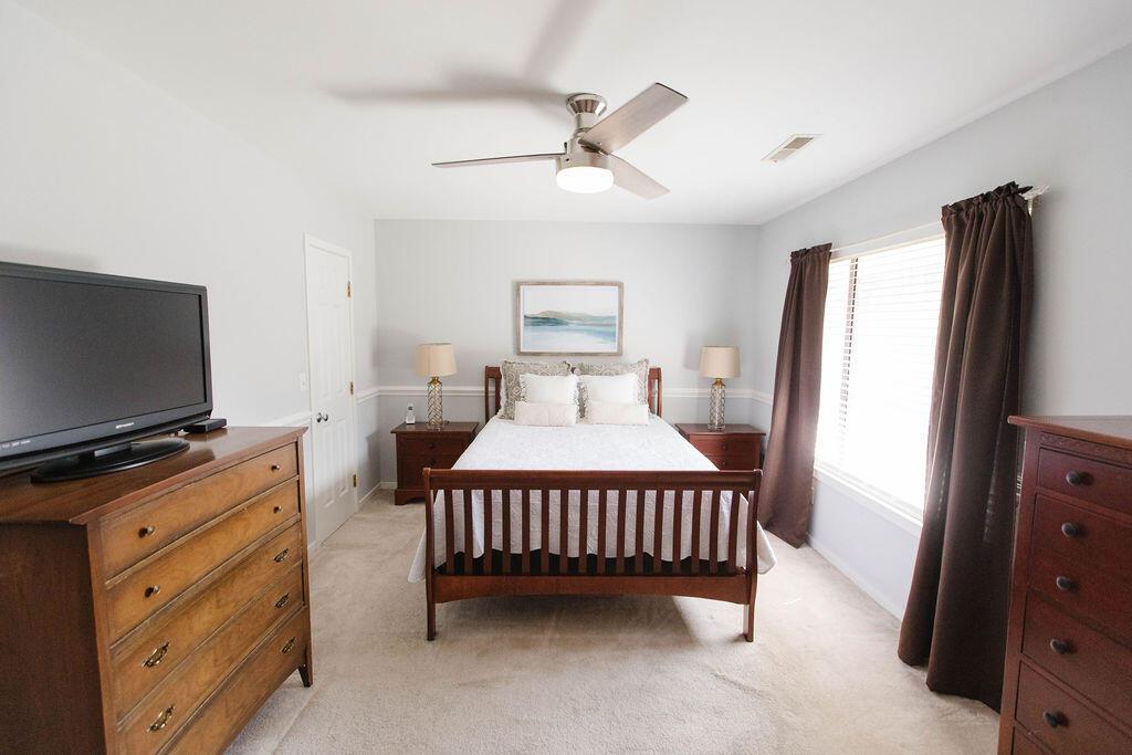 Snee Farm Homes For Sale - 1136 Honeysuckle, Mount Pleasant, SC - 42