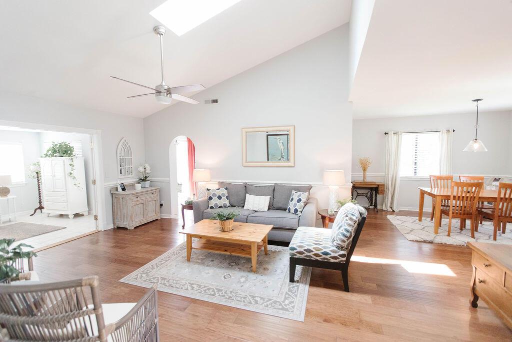 Snee Farm Homes For Sale - 1136 Honeysuckle, Mount Pleasant, SC - 17