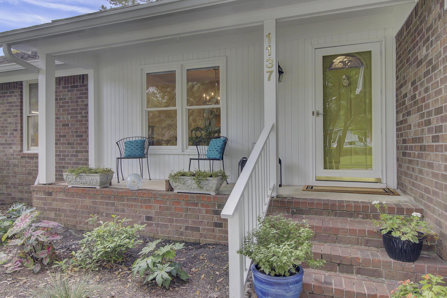 Snee Farm Homes For Sale - 1137 Parkway, Mount Pleasant, SC - 10
