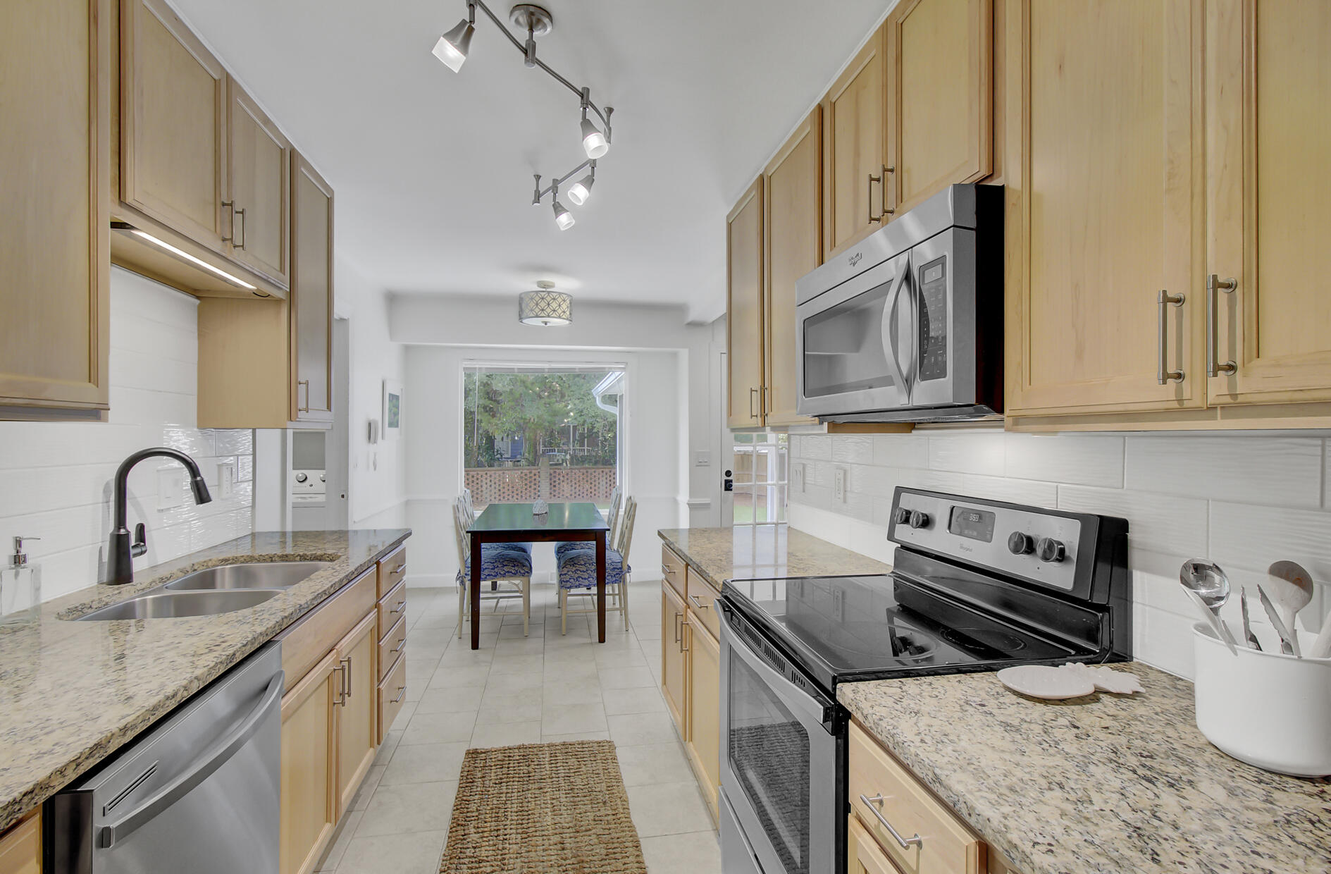 Snee Farm Homes For Sale - 1137 Parkway, Mount Pleasant, SC - 2