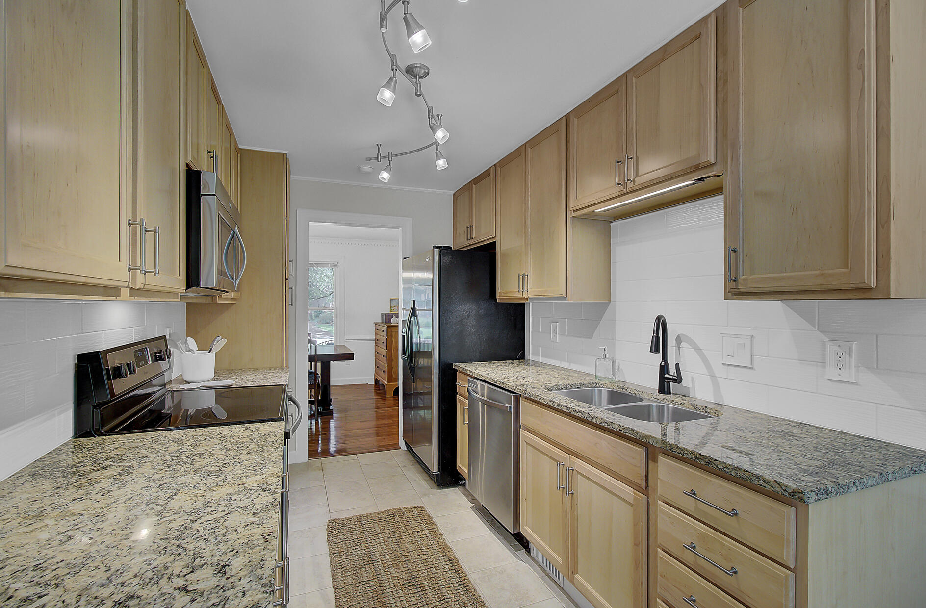 Snee Farm Homes For Sale - 1137 Parkway, Mount Pleasant, SC - 5