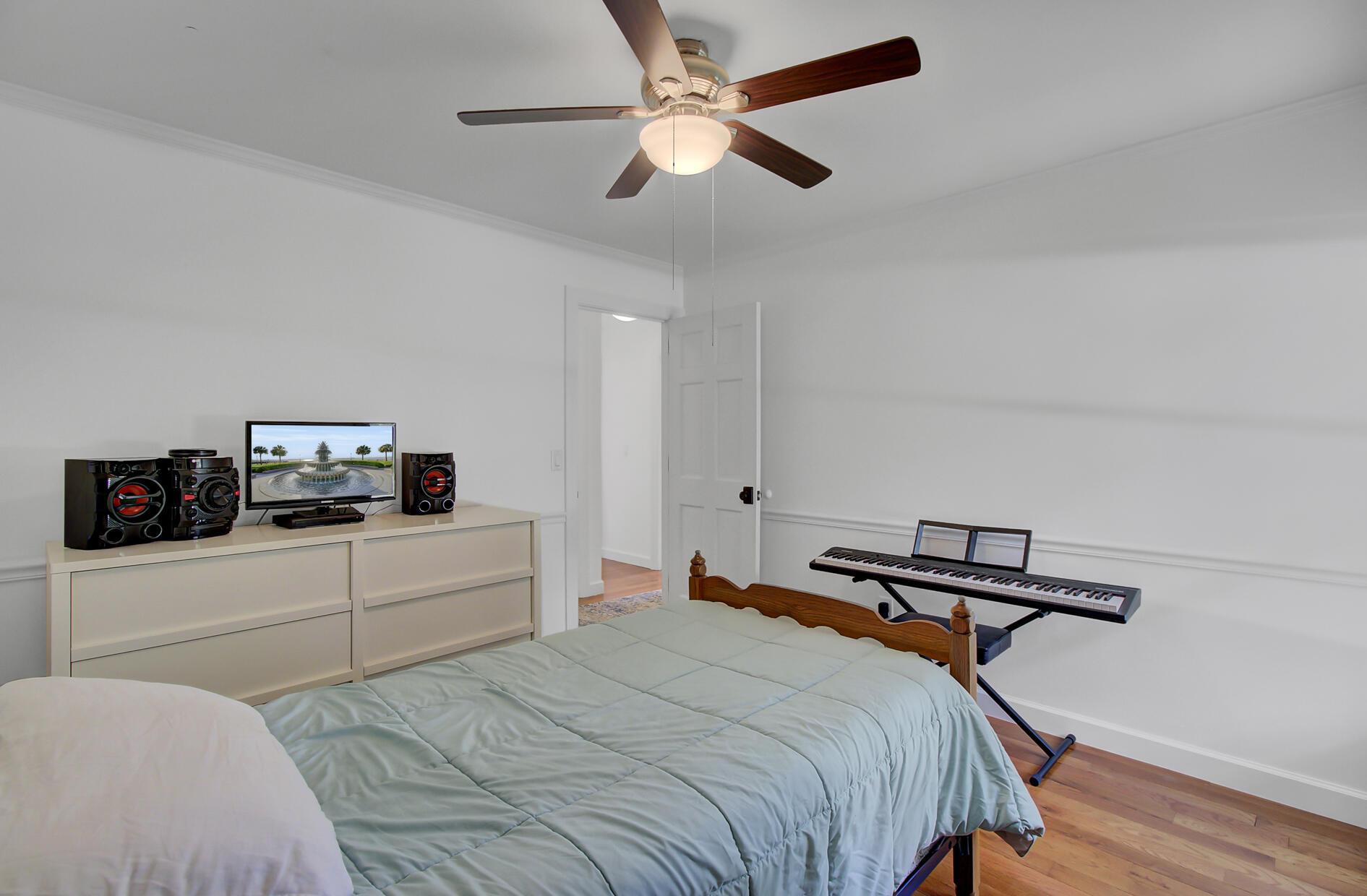 Snee Farm Homes For Sale - 1137 Parkway, Mount Pleasant, SC - 30