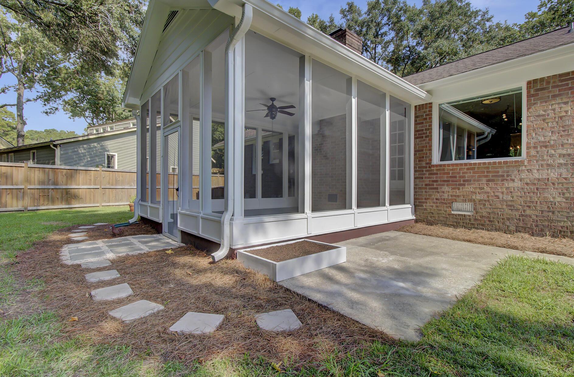 Snee Farm Homes For Sale - 1137 Parkway, Mount Pleasant, SC - 22