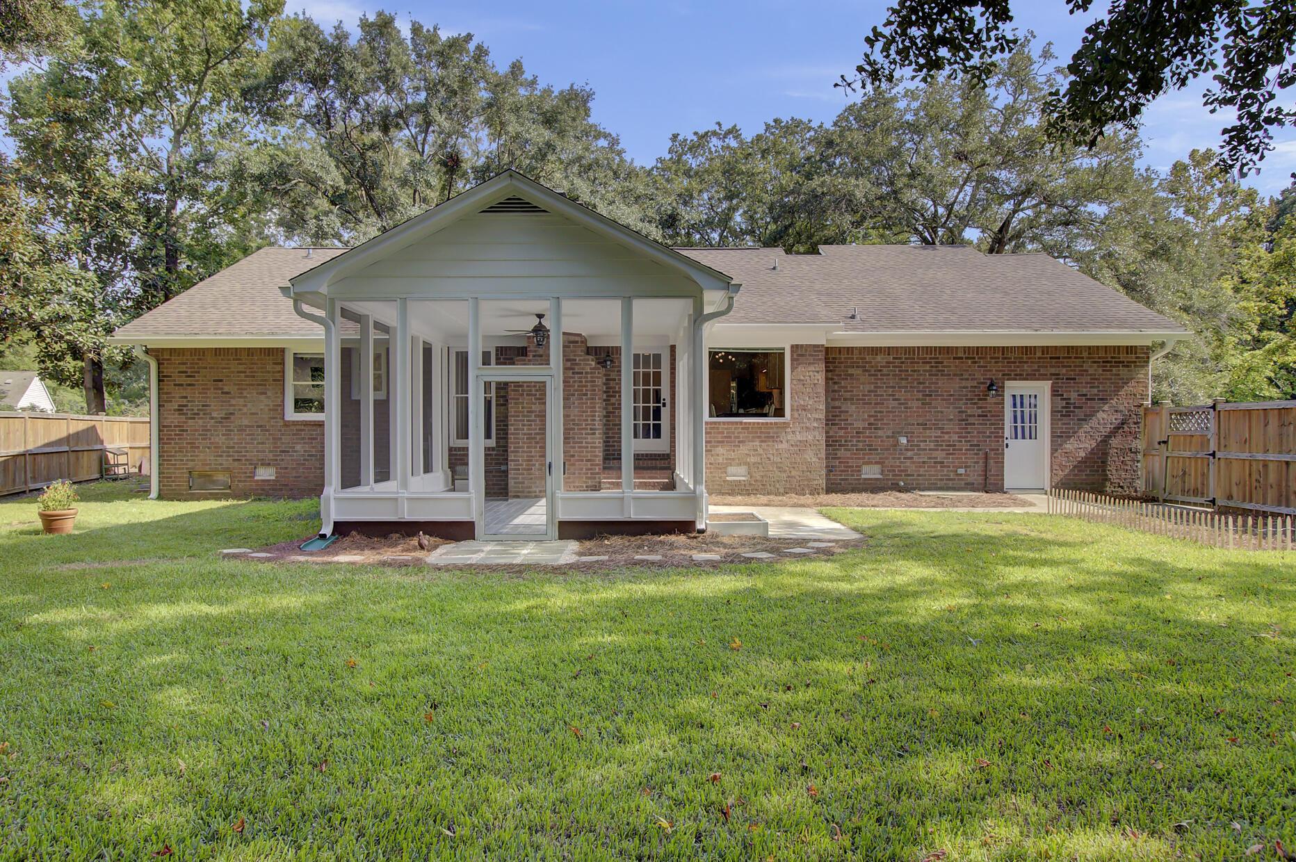 Snee Farm Homes For Sale - 1137 Parkway, Mount Pleasant, SC - 19
