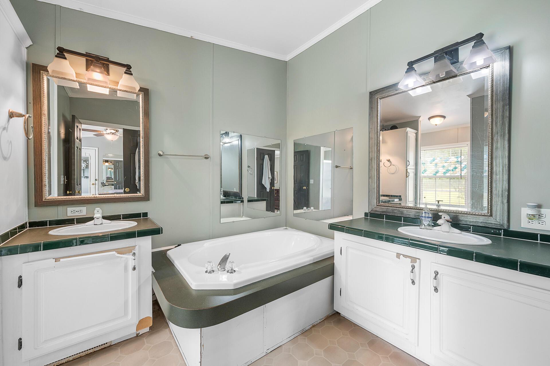Clemson Terrace Homes For Sale - 250 Medina, Summerville, SC - 20
