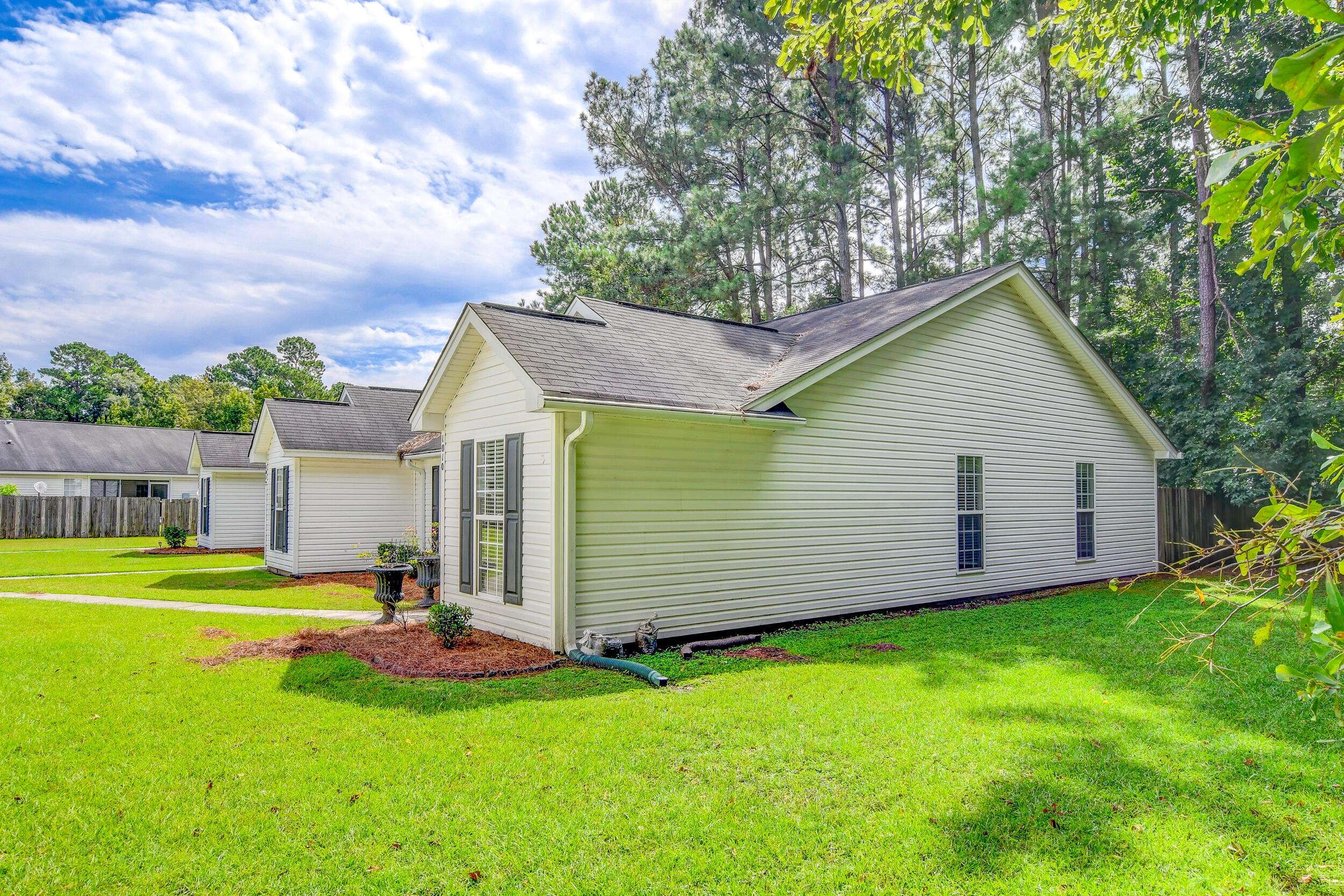 Crowfield Plantation Homes For Sale - 1010 Longview, Goose Creek, SC - 27