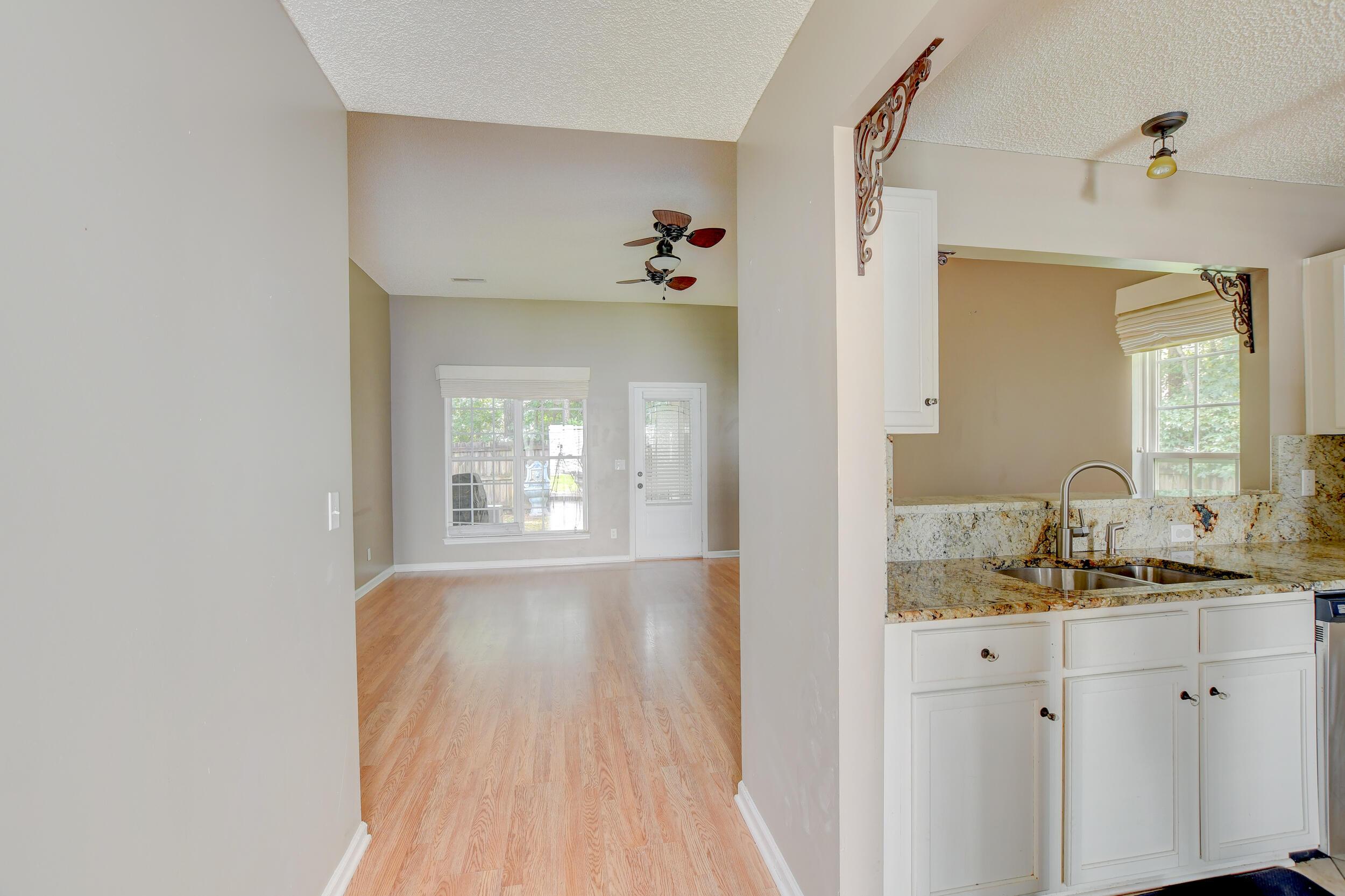 Crowfield Plantation Homes For Sale - 1010 Longview, Goose Creek, SC - 8