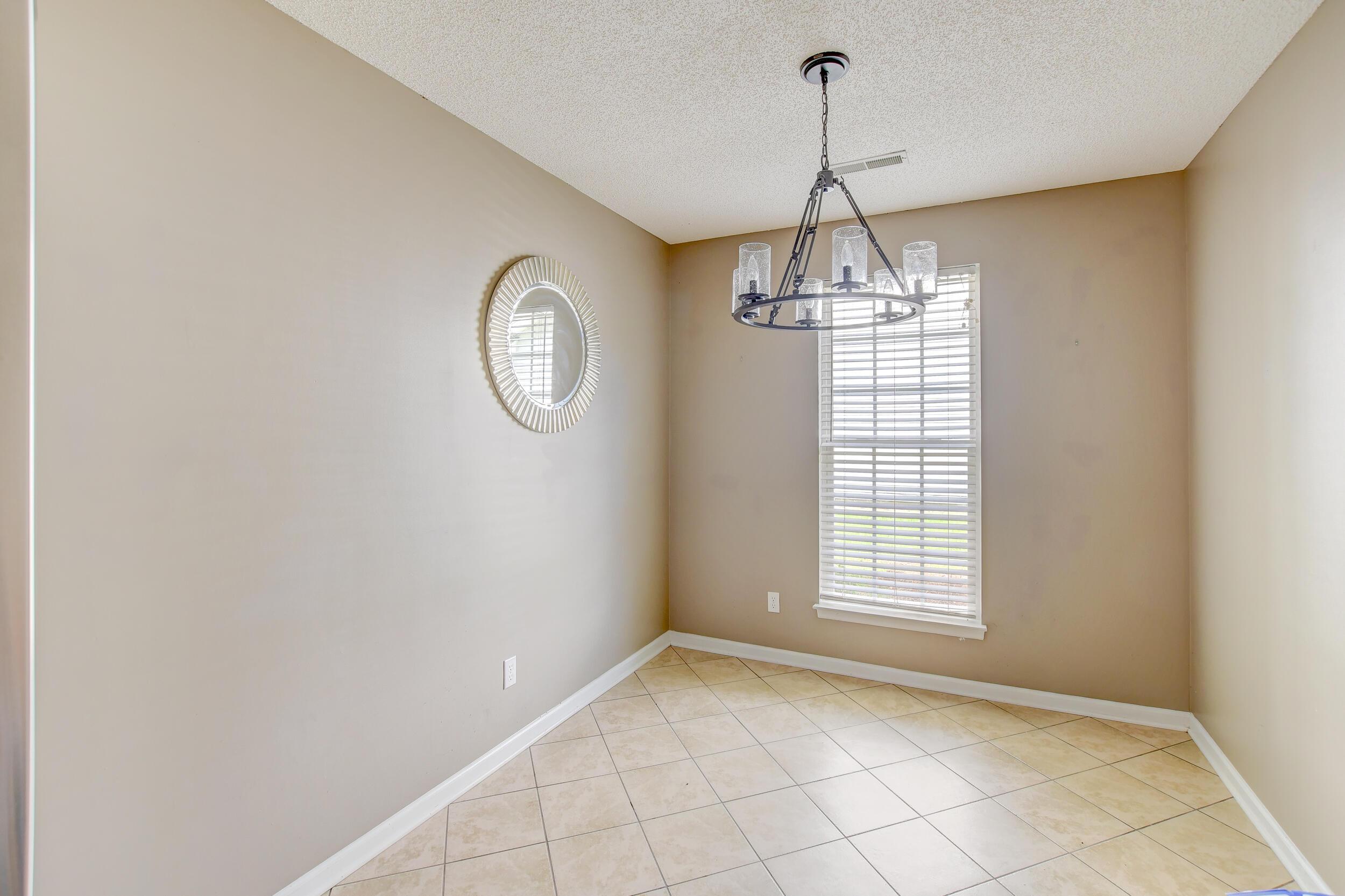 Crowfield Plantation Homes For Sale - 1010 Longview, Goose Creek, SC - 18