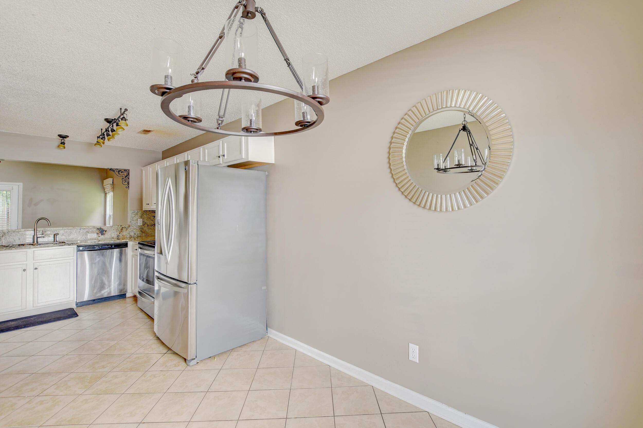 Crowfield Plantation Homes For Sale - 1010 Longview, Goose Creek, SC - 4