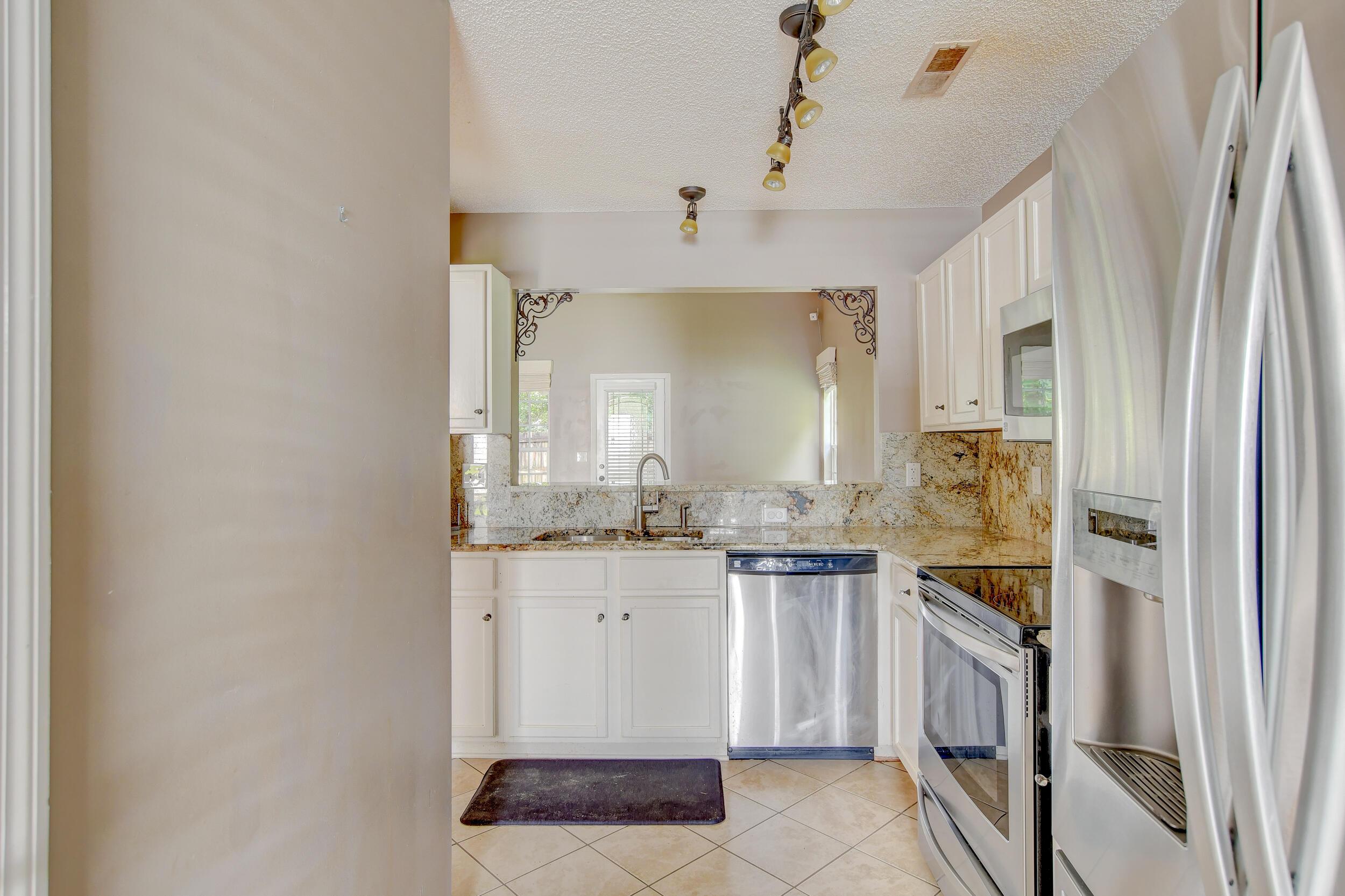 Crowfield Plantation Homes For Sale - 1010 Longview, Goose Creek, SC - 6