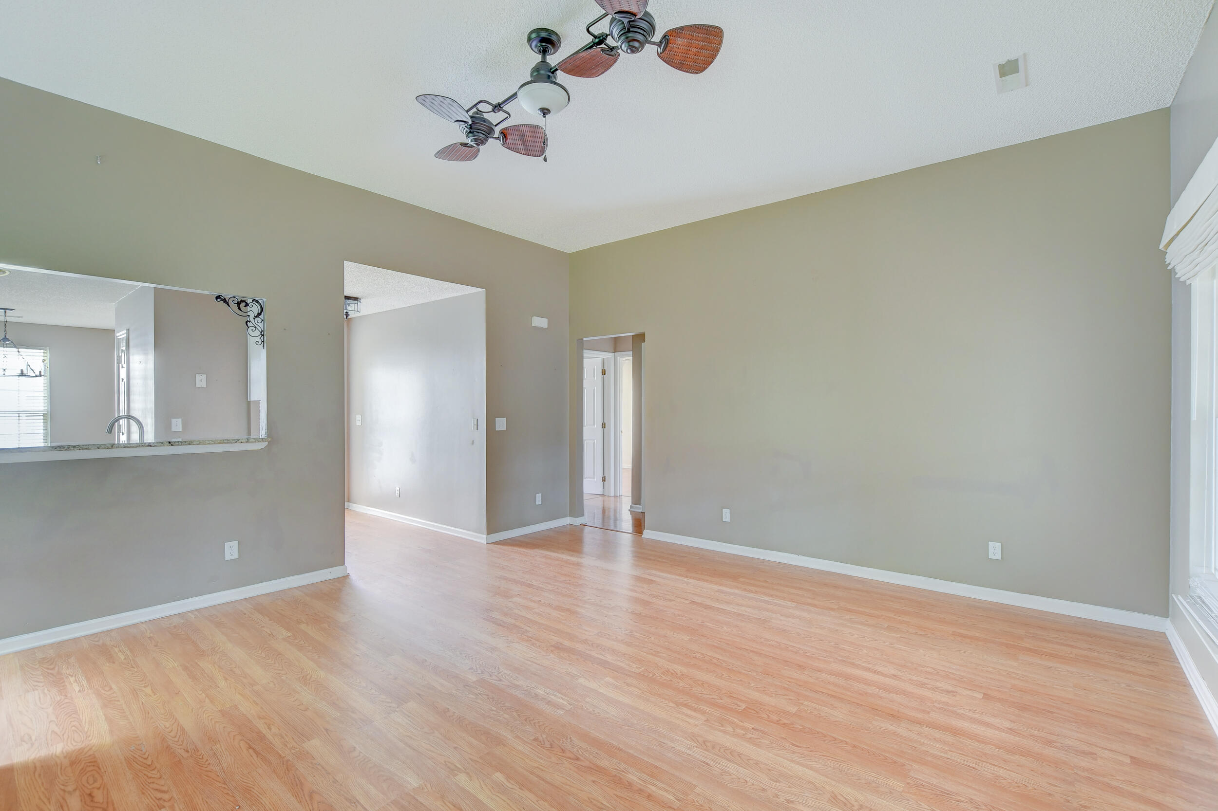 Crowfield Plantation Homes For Sale - 1010 Longview, Goose Creek, SC - 9