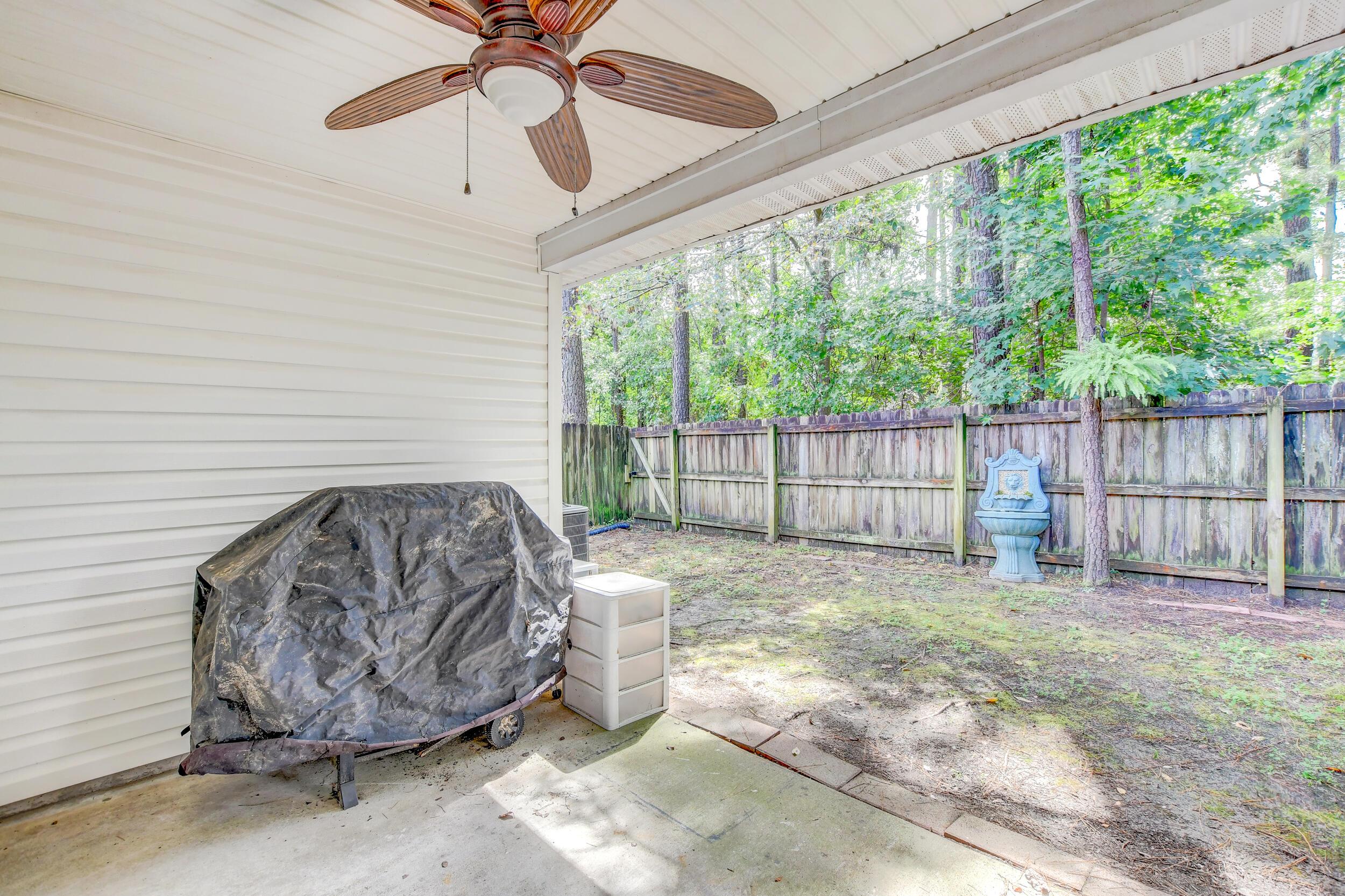 Crowfield Plantation Homes For Sale - 1010 Longview, Goose Creek, SC - 1