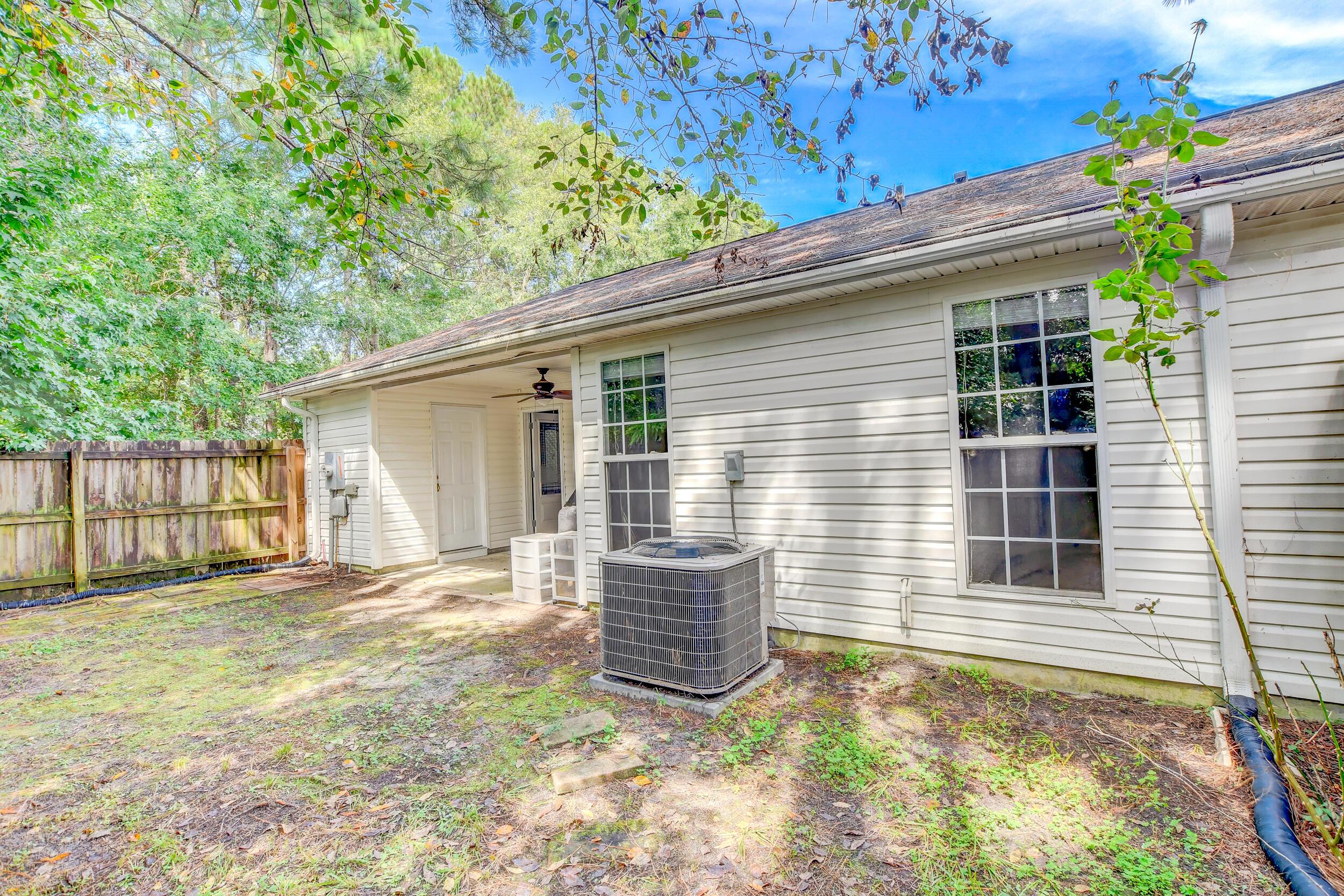 Crowfield Plantation Homes For Sale - 1010 Longview, Goose Creek, SC - 0