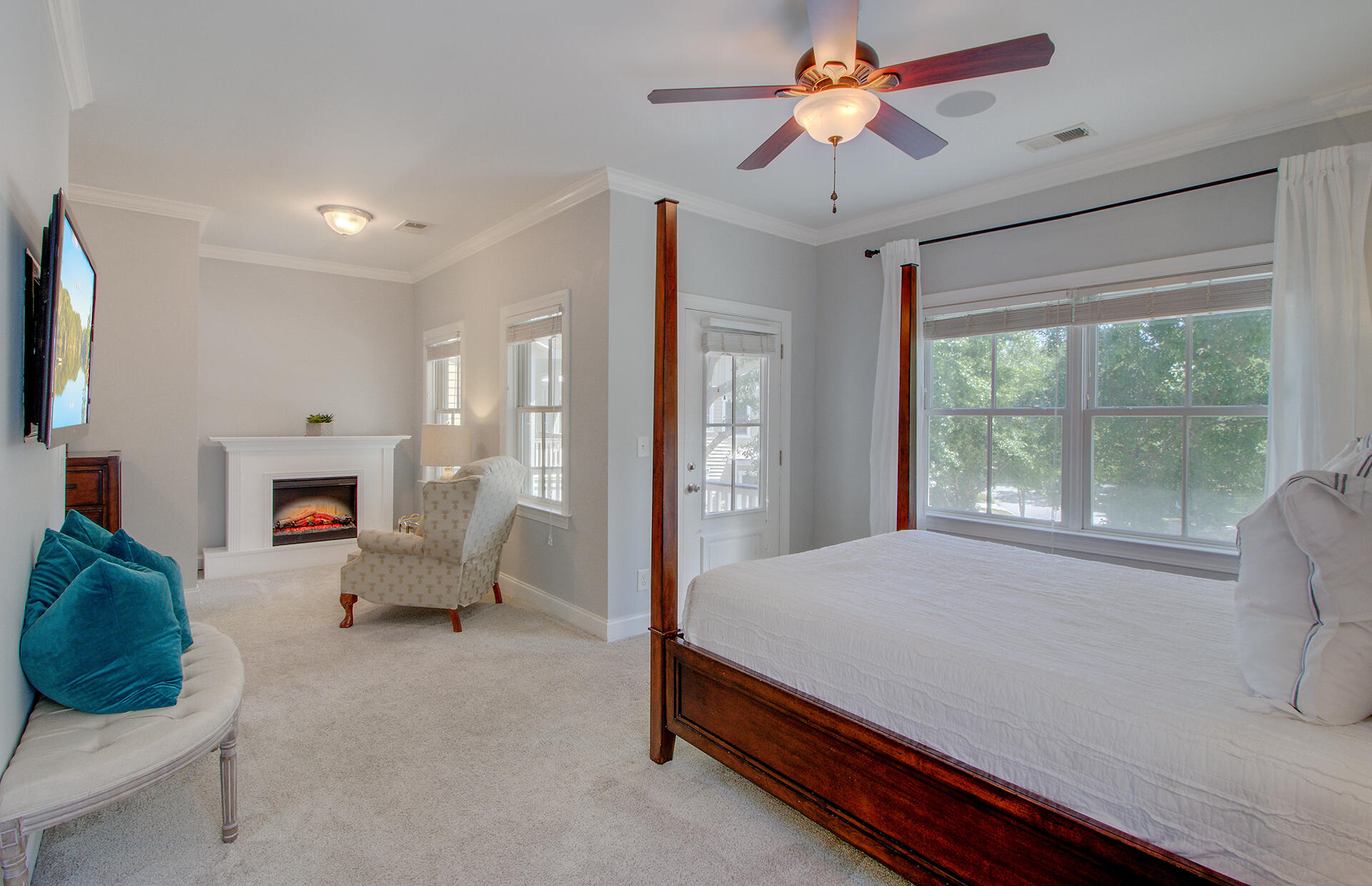 Phillips Park Homes For Sale - 1129 Phillips Park, Mount Pleasant, SC - 2