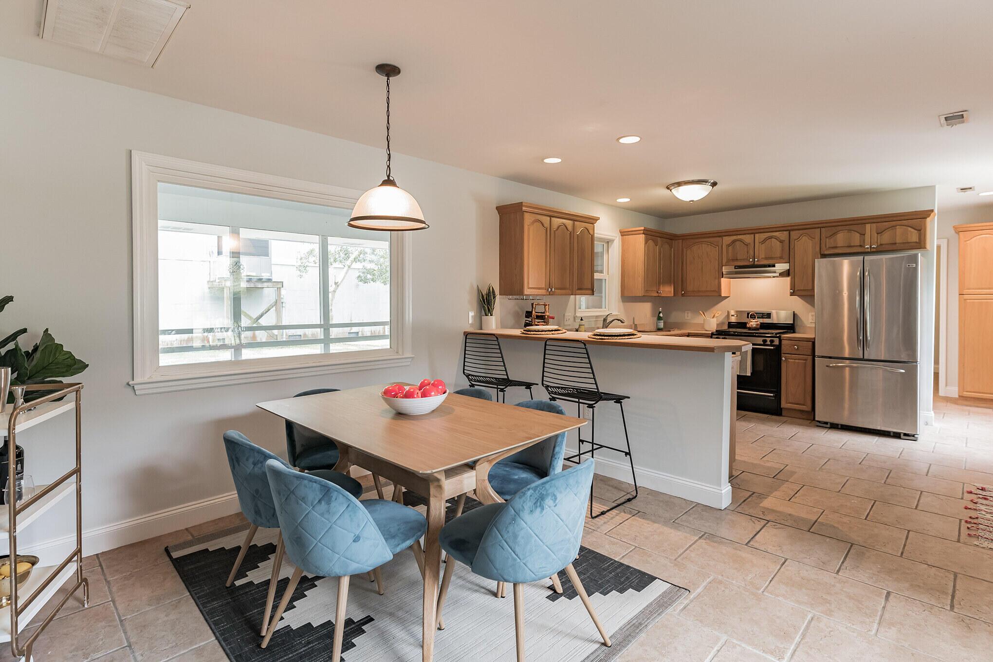 Camp Road Estates Homes For Sale - 825 Hale, Charleston, SC - 10