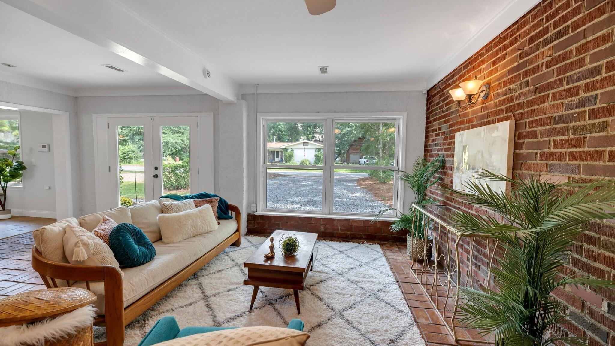 Camp Road Estates Homes For Sale - 825 Hale, Charleston, SC - 9