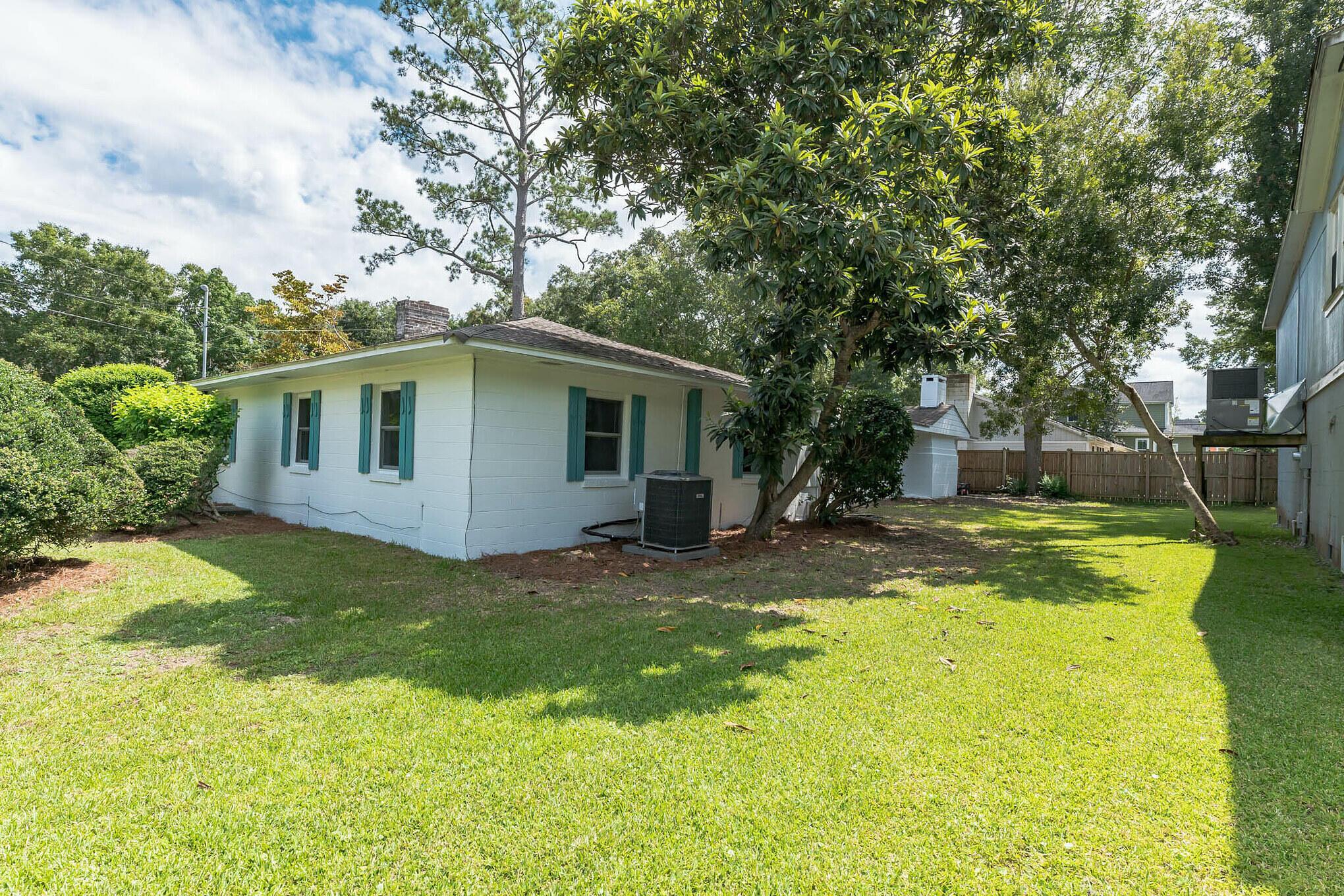Camp Road Estates Homes For Sale - 825 Hale, Charleston, SC - 0