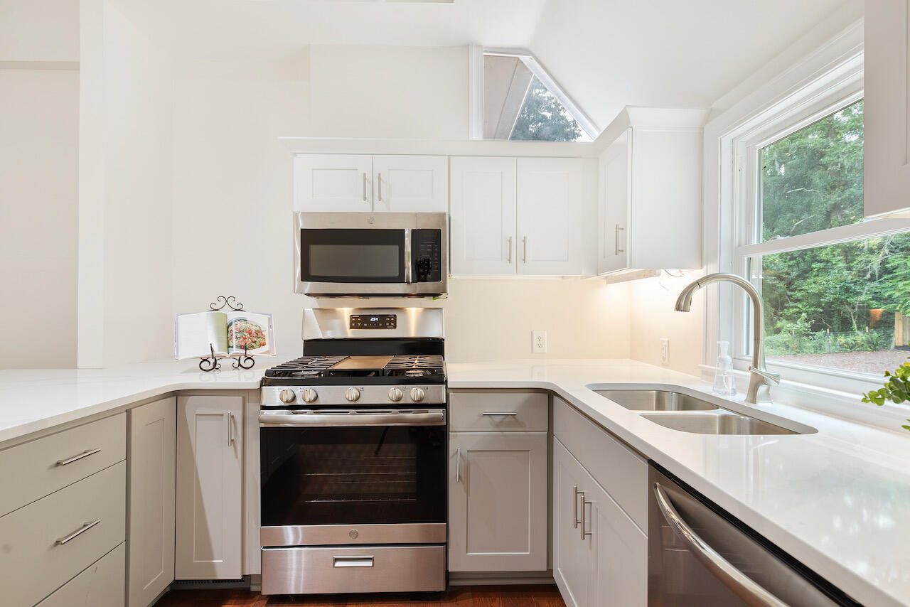Riverland Terrace Homes For Sale - 303 Yates, Charleston, SC - 30