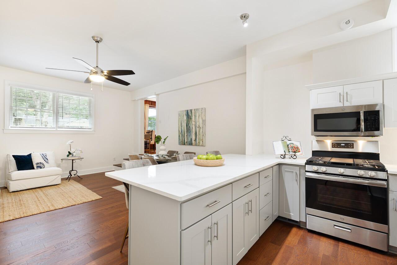 Riverland Terrace Homes For Sale - 303 Yates, Charleston, SC - 27
