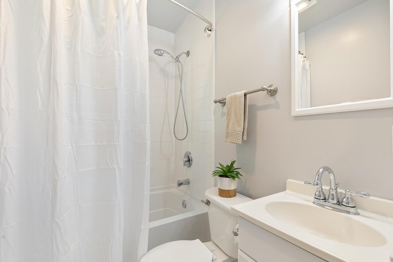 Riverland Terrace Homes For Sale - 303 Yates, Charleston, SC - 19